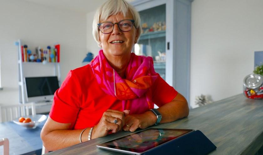 """Annemieke Scharloo: """"Voor mij is het zo klaar als een klontje: als je werk hebt waar je je ei in kwijt kan, dan is het bijna geen werken."""" FOTO: Bert Jansen."""