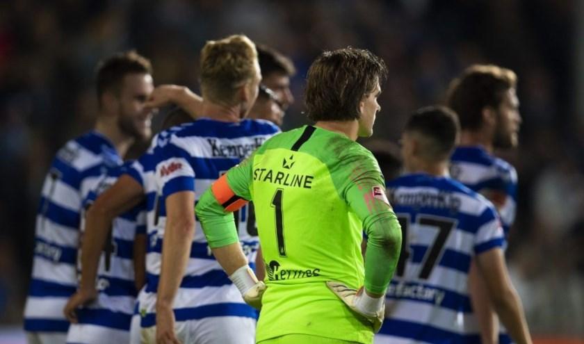 Doelman Ruud Swinkels baalt na wéér een tegentreffer. FC Eindhoven verloor met 4-0 op bezoek bij De Graafschap. (Foto: Johan Manders).