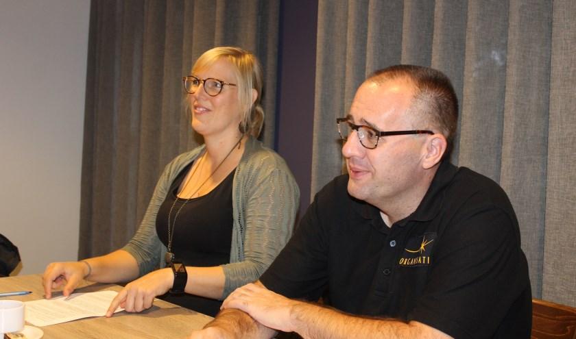 Tjitske van Amersfoort en Gino Takke lichten het programma voor Bredevoort Schittert 2019 toe.