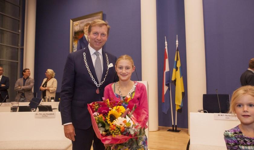 Maud Smit met burgemeester Kats.
