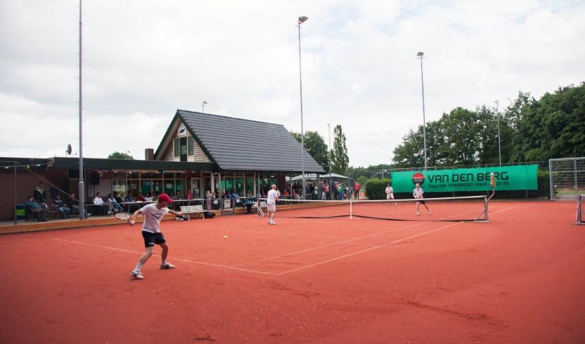 Gezellig tennissen bij ATV Amerongen.