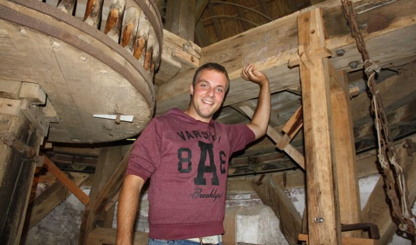 Cees de Jong, molenaar van molen De Vrijheid in Beesd en tevens molenaar in Buren en Gorinchem hoopt op een grondige restauratie.