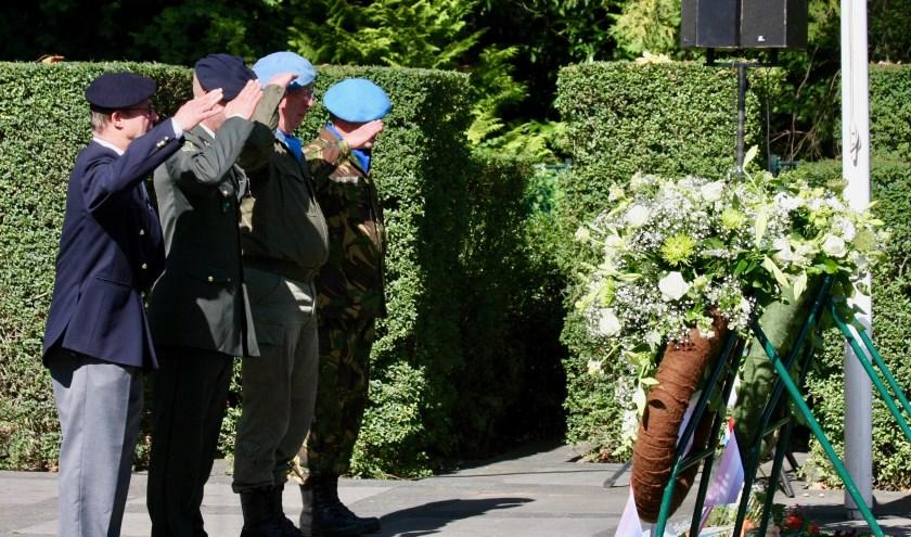 Veteranen eren hun omgekomen strijdmakkers.