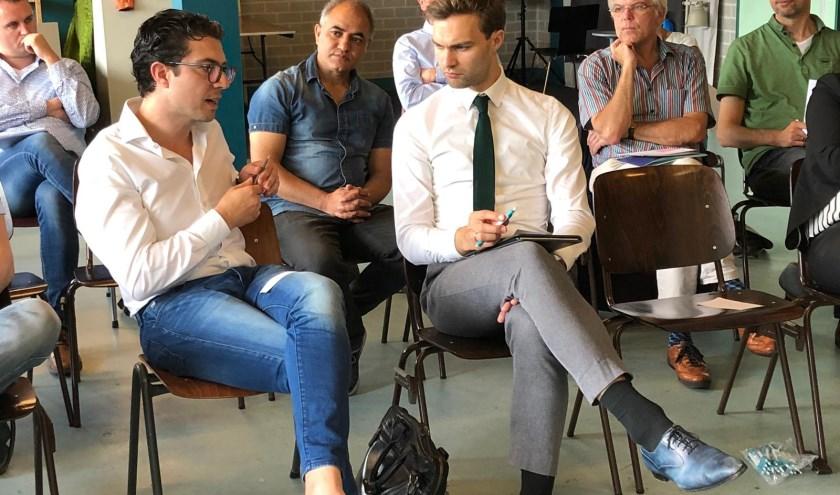 Wethouder Maarten van Ooijen in gesprek met deelnemers JobGroups eerder dit jaar.
