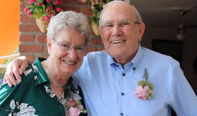 Toos Velt en Louis Looman hadden drie maanden verkering toen zij met elkaar trouwden, nu 65 jaar geleden. Foto: Esmeralda Wybrands