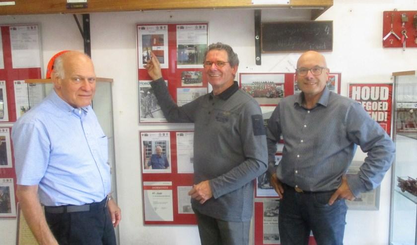 Brandweerveteranen Frans Stoffels, Wim van Haveren en Peter Willeboordse blijven zich inzetten. FOTO: MARCEL VAN DER VOORT.