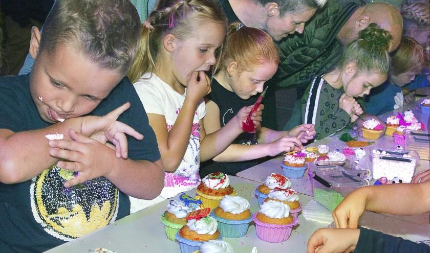Bruisend Nijverdal is een feest voor jong en oud, getuige deze foto uit 2017. Kinderen konden zich helemaal uitleven tijdens 'heel jong Nijverdal bakt'. Ook dit jaar is aan de jongste generatie gedacht.