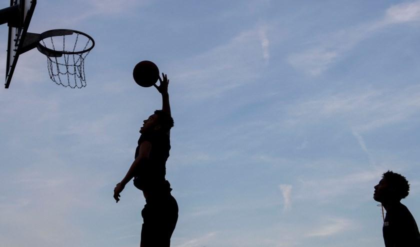 Drie-tegen-drie basketbal is één van de spectaculaire urban sports die te zien en mee te maken zijn op 010MOVES.