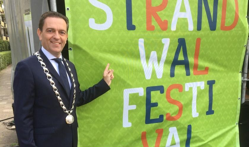 """Burgemeester Bezuijen kijkt vooruit naar het Strandwalfestival: """"Hier wordt iets moois voor, van en door de Rijswijkse inwoners neergezet."""""""