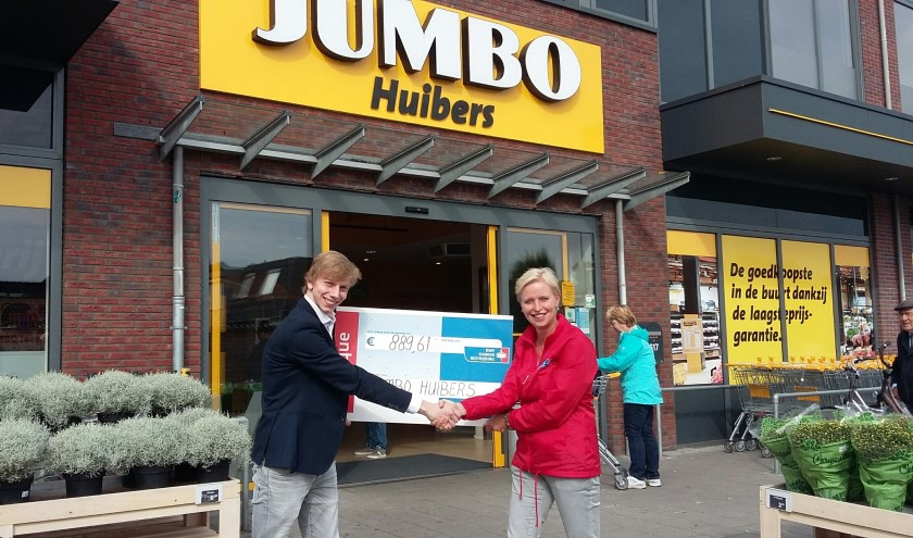 Krystiaan van Schoonhoven van Jumbo Huibers en Pamela Koops van KWF Veenendaal