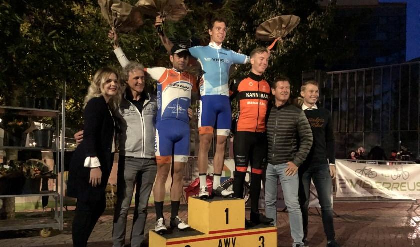 Felicitaties aan Jelle Johannink uit Denekamp: hij is kampioen bij de elite/beloften in de Viro Criteriumcup.