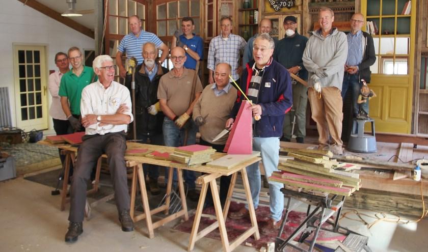 Op zaterdag 14 september zette een grote groep van de Lions Club Enschede zich in via Present.