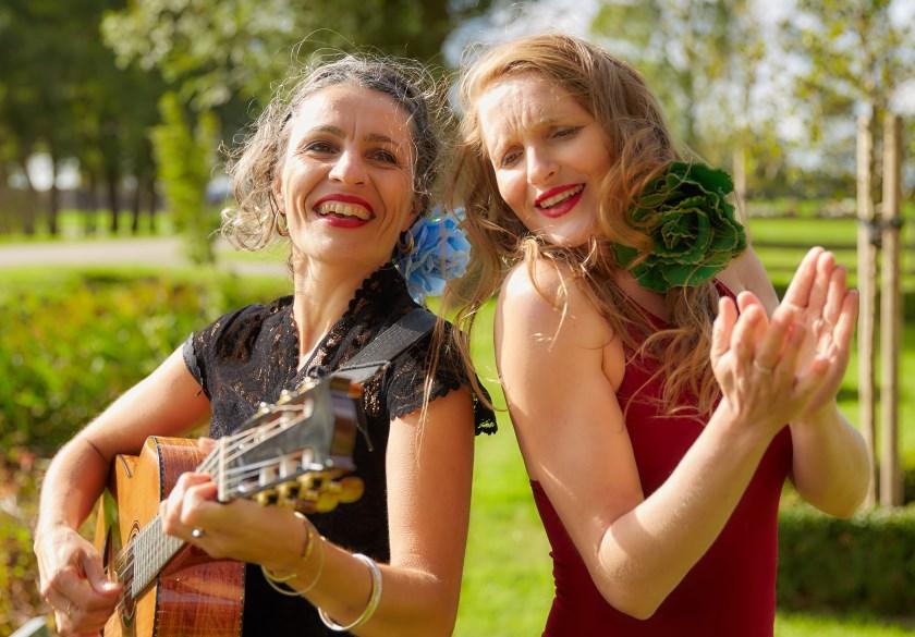 Monica Coronado (links) en Judith Naber treden op 8 september als duo El Sol y la Luna op in Huize Vredenburg in Westervoort.