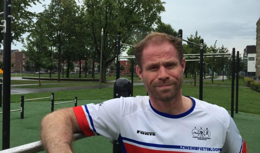Trainer van triatlonvereniging Dordrecht, Albert de Vries (foto: Nanda van Heteren)