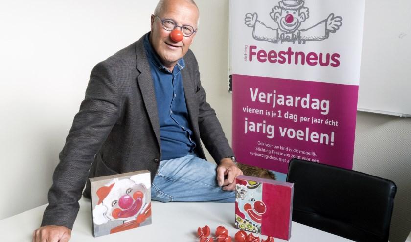 Voorzitter Gerard Eijkholt wil dat zijn stichting zo laagdrempelig mogelijk is. Meer info op stichtingfeestneus.nl. (foto Auke Pluim)