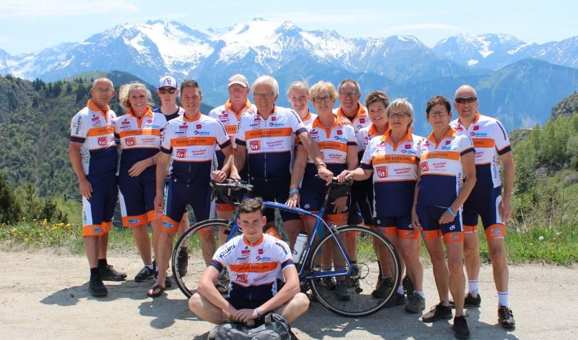 Team Duiven op de Alpe d'Huez.