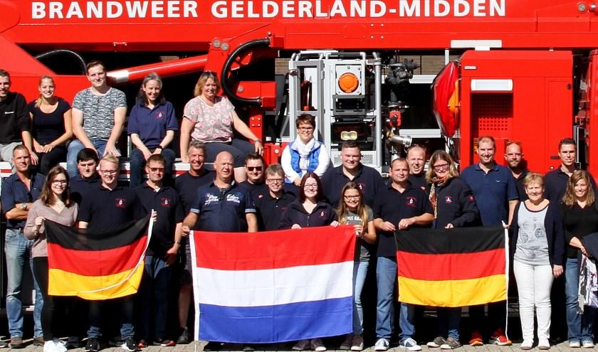 De brandweer van Weilburg en Zevenaar hebben onlangs een gezellige dag beleefd. (foto: Stedencontact)