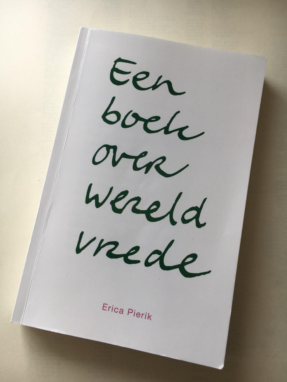Het boek  Foto: Jos Pierik © DPG Media