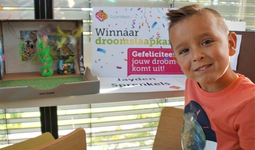 De 5-jarige Jayden werd winnaar van de Win je droomslaapkamerwedstrijd en zijn ontwerp gaat echt uitgevoerd in zijn slaapkamer in Montfoort. Hij was er eerst even beduusd van maar is apetrots.