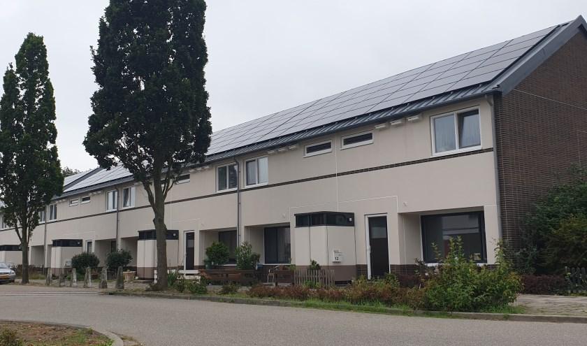 De komende weken gaat de aannemer de installaties in de overige 116 woningen opnieuw instellen. Foto: Robbert Roos