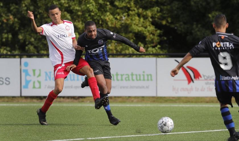 SV Poortugaal rekende met speels gemak af met Hellevoetsluis in het bekertoernooi, het werd 4-0 voor de thuisclub (foto: John de Pater)