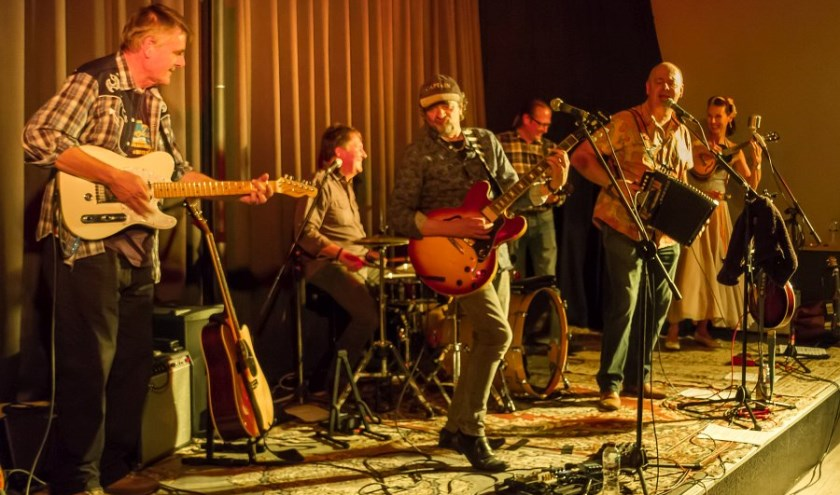 A fabulous fusion of blues, rock, folk and Americana that blew the socks off our audience. Absolute class.