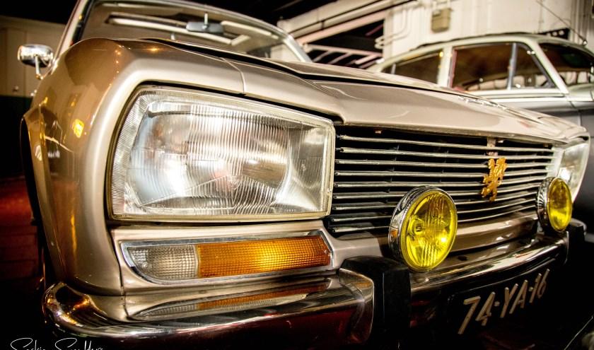 Fotoclub Shoot-It uit Den Bosch exposeert tot en met zondag 26 januari met foto's van oude auto's van Stichting Klassieke Automobielen Brabant. De foto-expo is te zien bij de Ketjapfabriek in Vught.