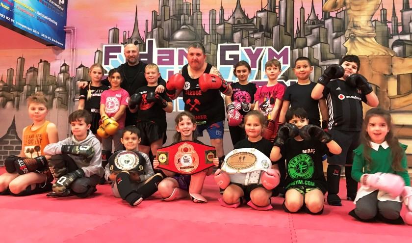 Nu zijn bokscarrière voorbij is, begeleidt Dennis Verhoeven jonge talenten. (Foto's: Martina Roovers)