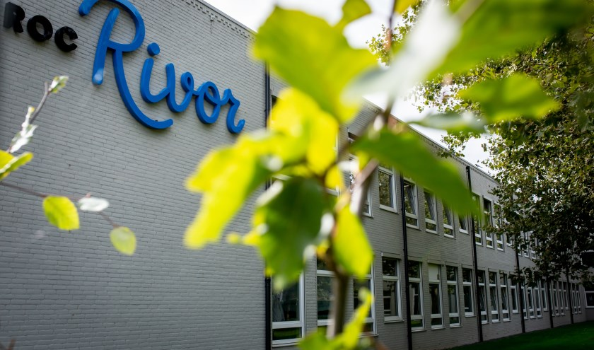 Hoofdlocatie ROC Rivor, Bachstraat in Tiel