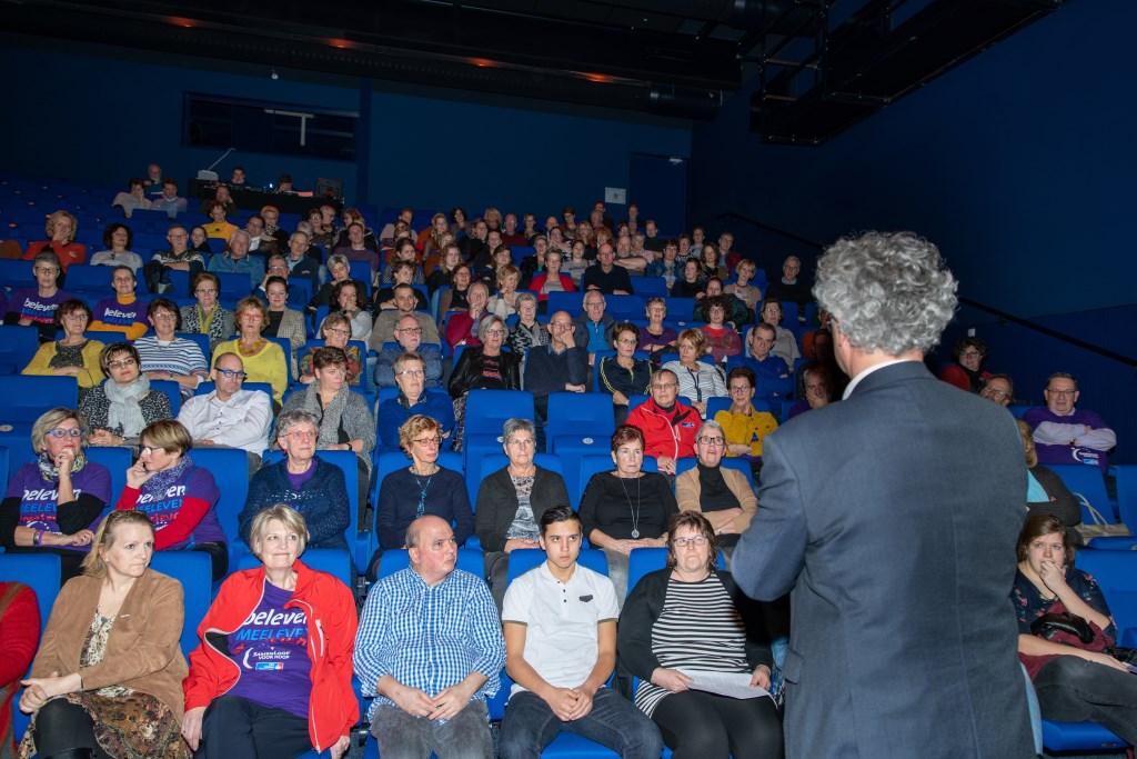 KWF-directeur Johan ban de gronden spreekt de zaal toe. Foto: Erik Peek © DPG Media