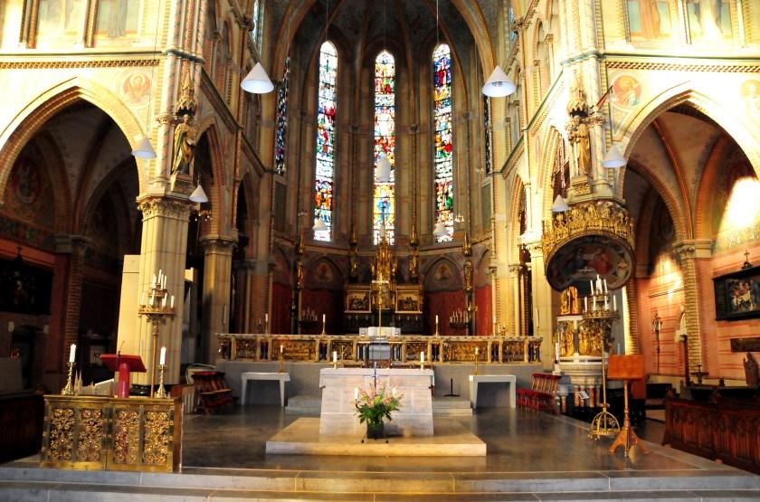 De slotviering is in de Maria van Jessekerk.