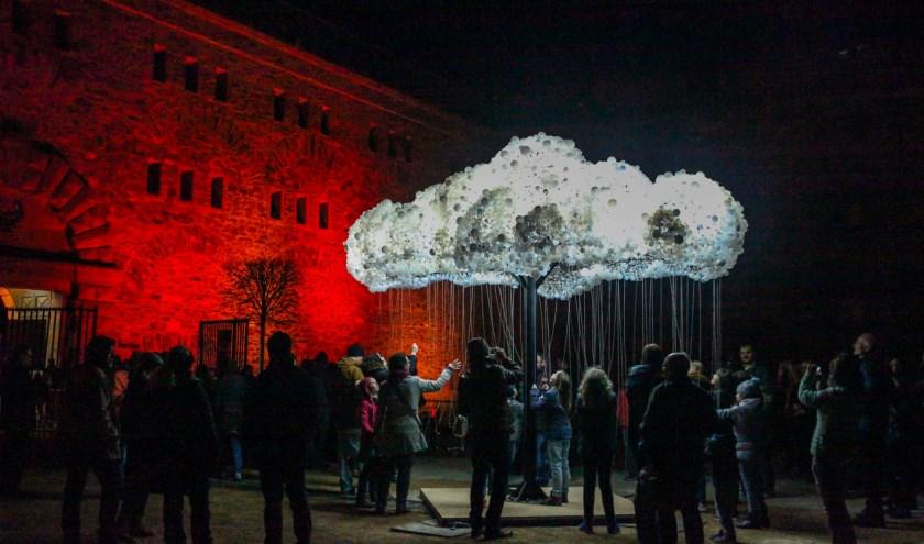 Een van de meest bijzondere kunstwerken tijdens het lichtfestival is 'The Cloud'.