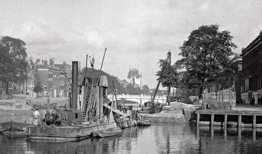 Leuvehaven / hoek Wijnhaven, 1899.