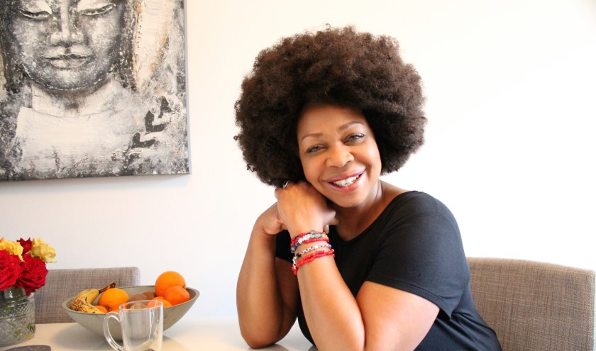 Miss Marjorie neemt het publiek mee in haar muzikale biografie 'Mijn leven in Showbizz' Foto Annemarie van der Ploeg