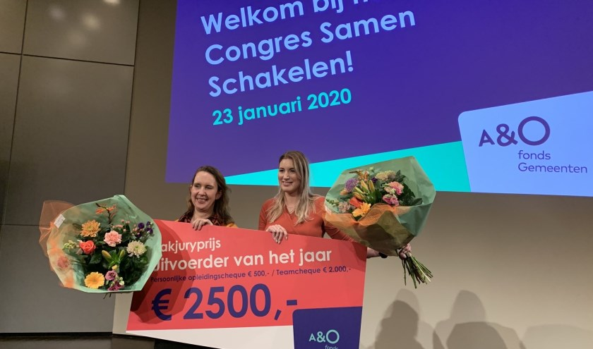 Iris Agterbosch en Mirte Koopman uit Almelo zijn winnaar geworden van de vakjuryprijs voor 'Uitvoerder van het Jaar 2020'