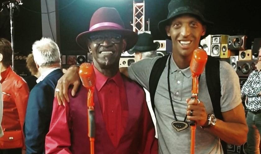 Vader en zoon Taylor supporten elkaar waar ze kunnen en zijn trots op elkaars prestaties. Misschien staan ze ooit ook samen op het podium.