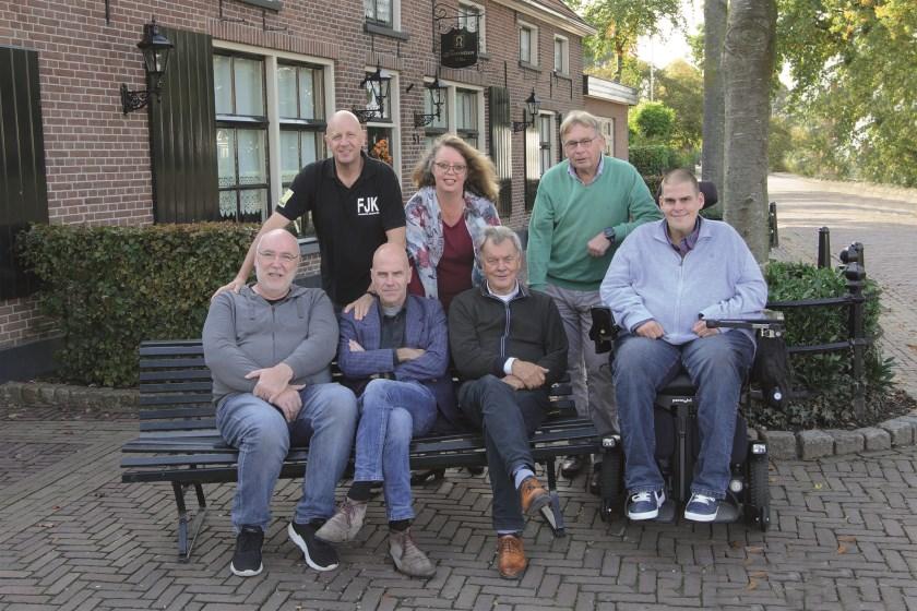 Bestuurs- en juryleden van de verkiezing. Staand vlnr: Jacques Kok, Dianne de Geus en Hugo Boschker. Zittend vlnr: Ron de Geus, René Boekhorst, Henk Nijland en Mathieu Maanders.