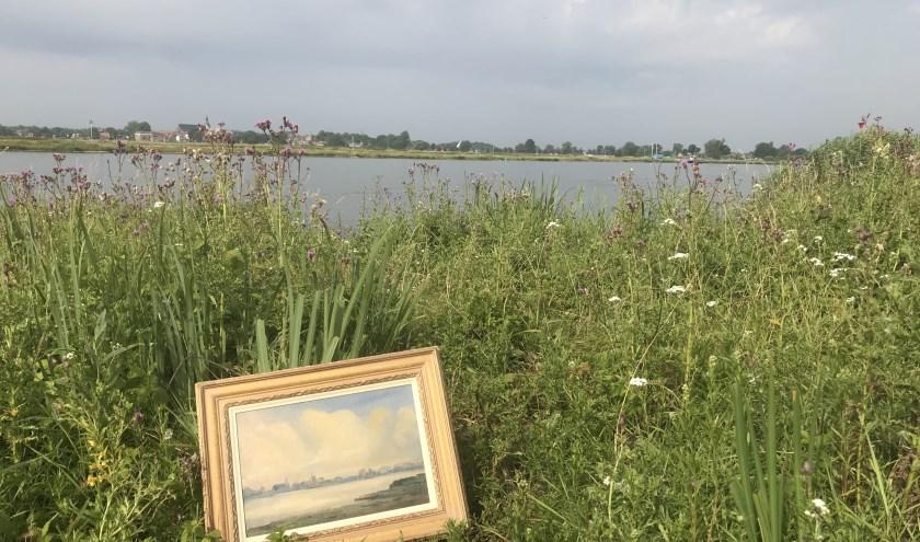 Voerman-schilderij langs IJssel bij Zwolle, met zich op Hattem.