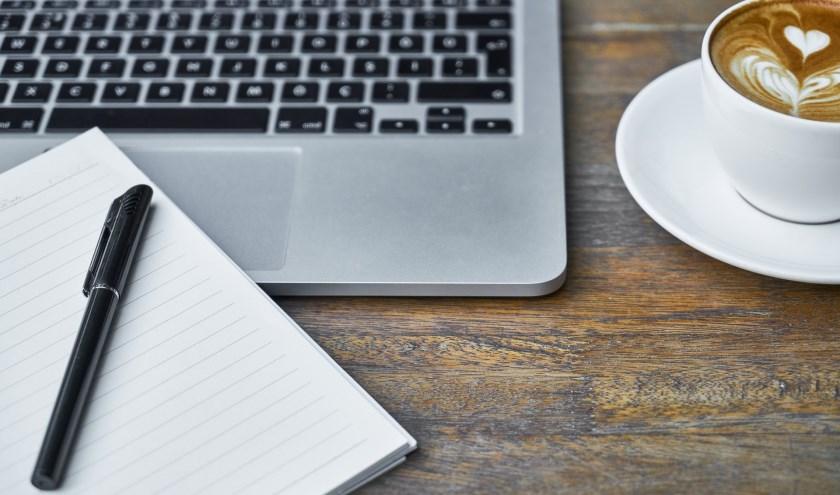 Laptop, pen, koffie
