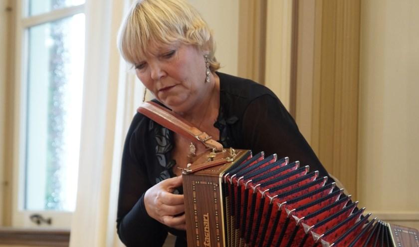 En er komt nog meer muziek uit Zuid Amerika: zondag 19 januari balgexpert Jacqueline Edeling.
