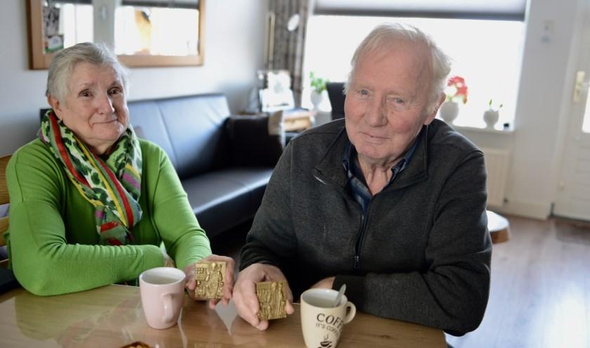 Corrie en Hans Versteegh genieten volop na van de onderscheidingen die ze hebben ontvangen