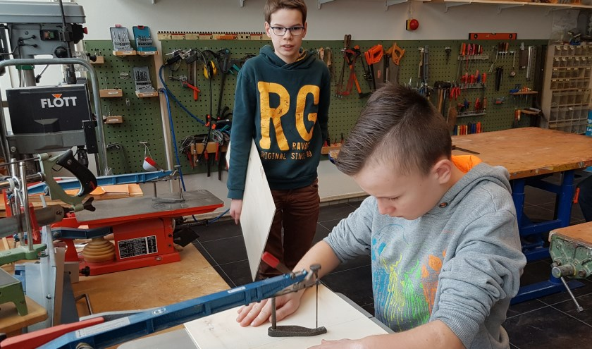 Leerlingen van de Werkenrode School Groesbeek aan het werk.