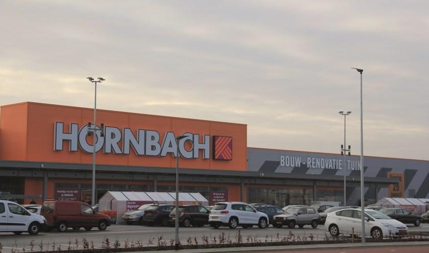 Hornbach is na Makro, Ikea, Media Markt, Intratuin en Loods 5 de zesde 'gigant' op Centerpoort-Nieuwgraaf.