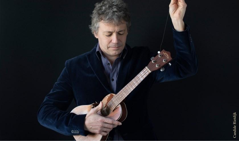 Dusty Stray geeft vrijdag een huiskamerconcert aan de Willem II-straat. Dusty Stray brengt het alt-folk repertoire van de Texaanse expat Jonathan Brown.