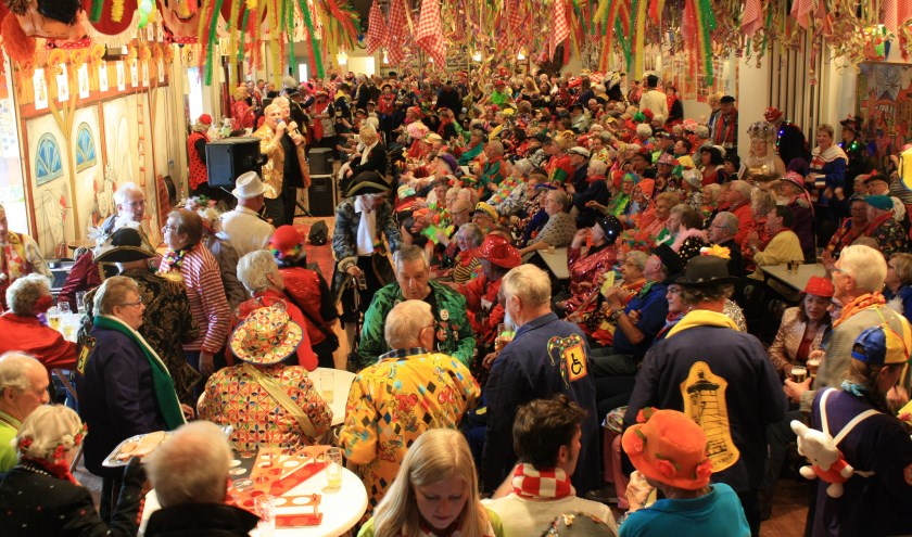 Volop leut en plezier tijdens Ouderen Carnaval.