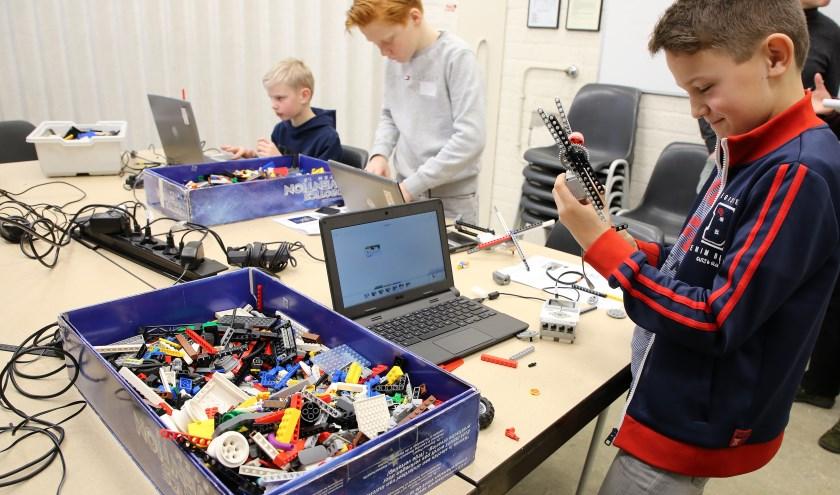 Je eigen robot bouwen en die dan ook nog mogen houden, wie wil dat nou niet? Foto: Theo van Sambeek.