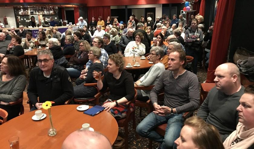 De kick-off van de SamenLoop voor Hoop Bommelerwaard werd vorige week druk bezocht. Iedereen kan zich inzetten! Meer info vind je op samenloopvoorhoop.nl.