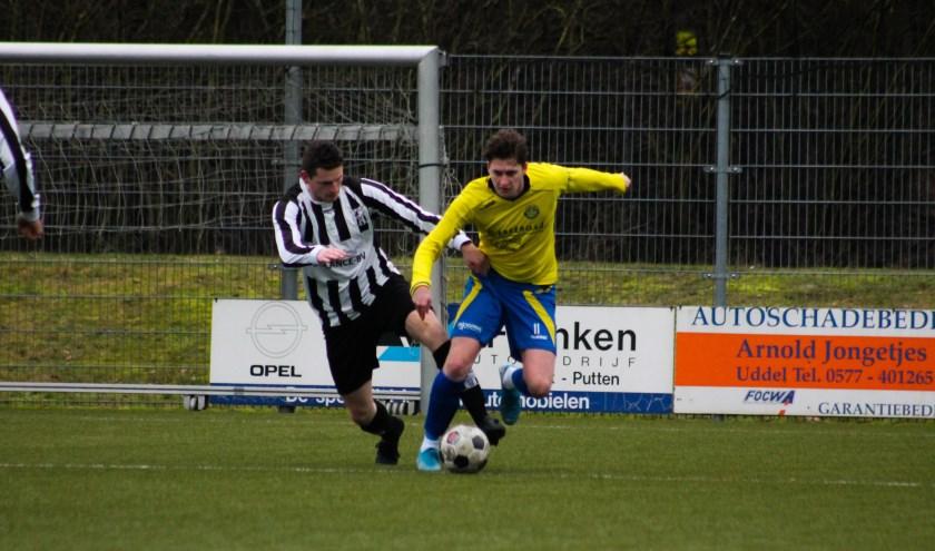 Hatto-Heim deed weer uitstekend. De ploeg uit Hattemwon bij Elspeet met 1-3. Winand Meilinkscoorde twee maal. Foto: Gradus Dijkman
