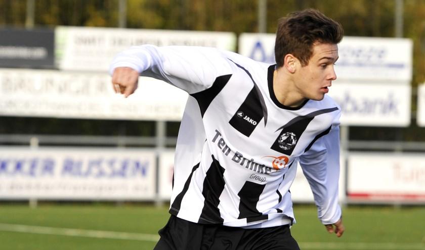Kevin Peppels scoorde beide doelpunten. (Foto: Henk Pluimers)