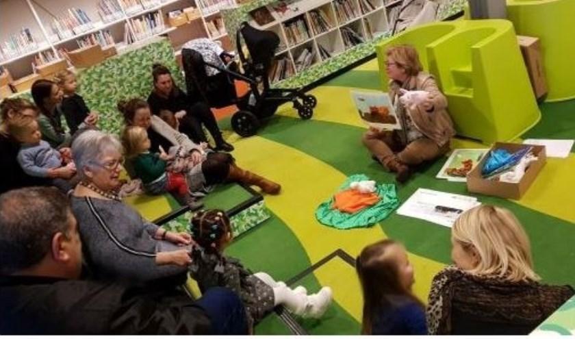 De Baby Drive-In was weer bijzonder gezellig in de bibliotheek. (Foto: pr)